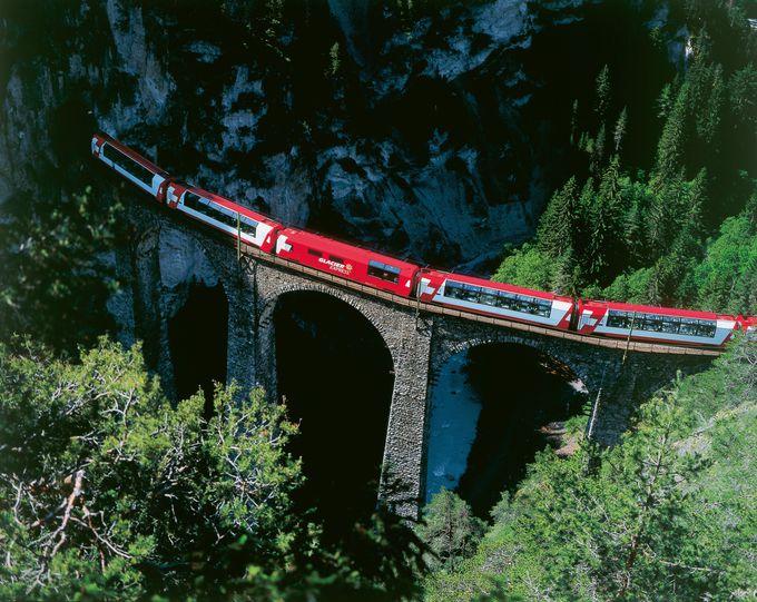 「スイス・グランドトレインツアー」で効率よく絶景ルートを巡ろう