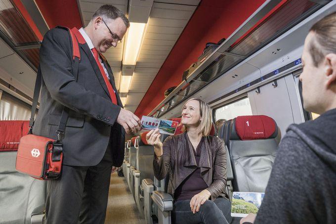 交通機関の運賃が半額になる「スイスハーフフェアカード」