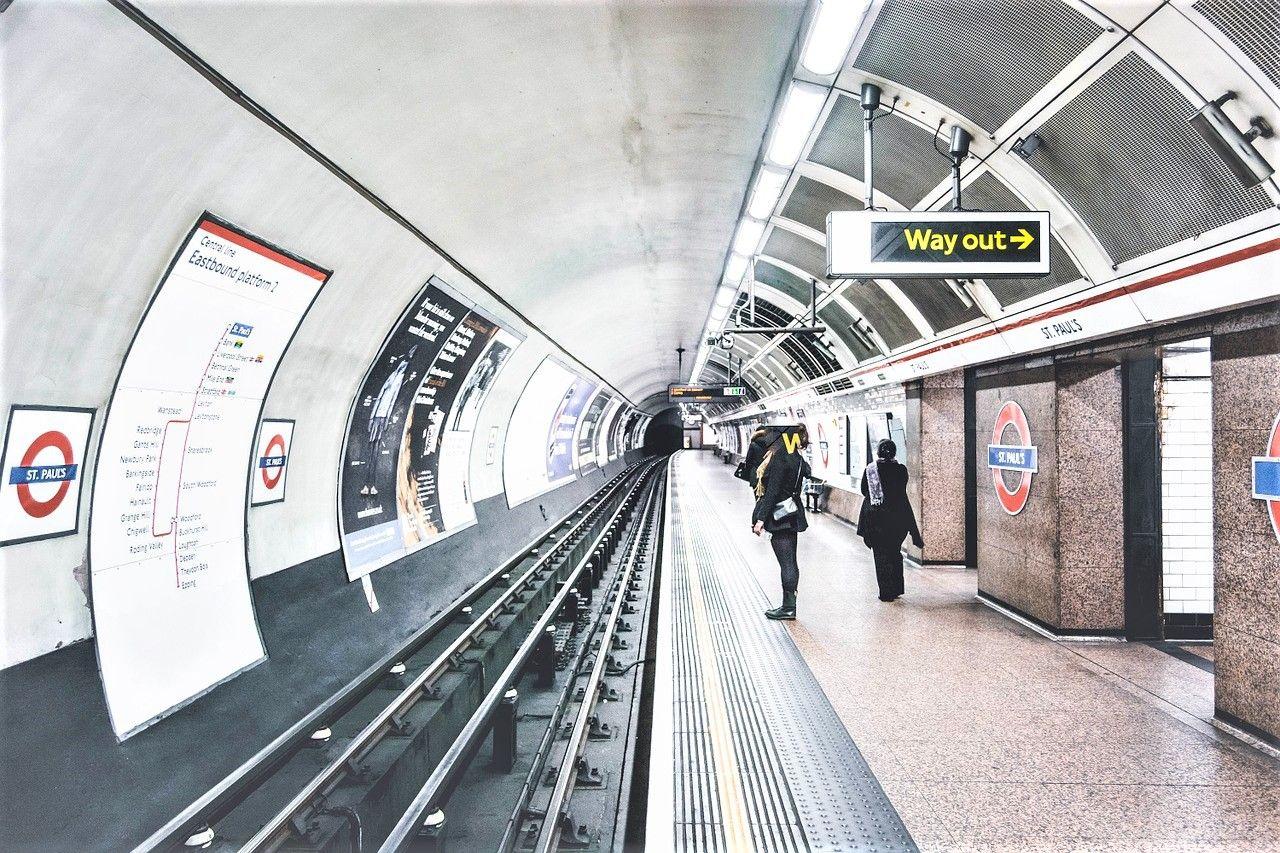 都心部での移動を効率良くしたい人は地下鉄を利用を利用しよう