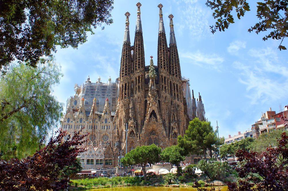 スペイン旅行にかかる予算を徹底調査!現地での節約方法などもご紹介