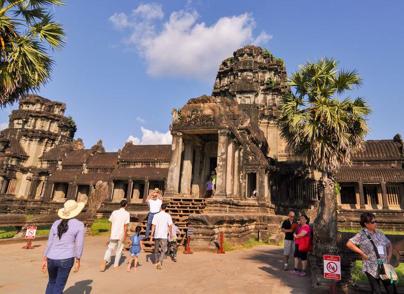 カンボジア旅行の持ち物は?必需品からあると便利なもの、服装まで徹底解説