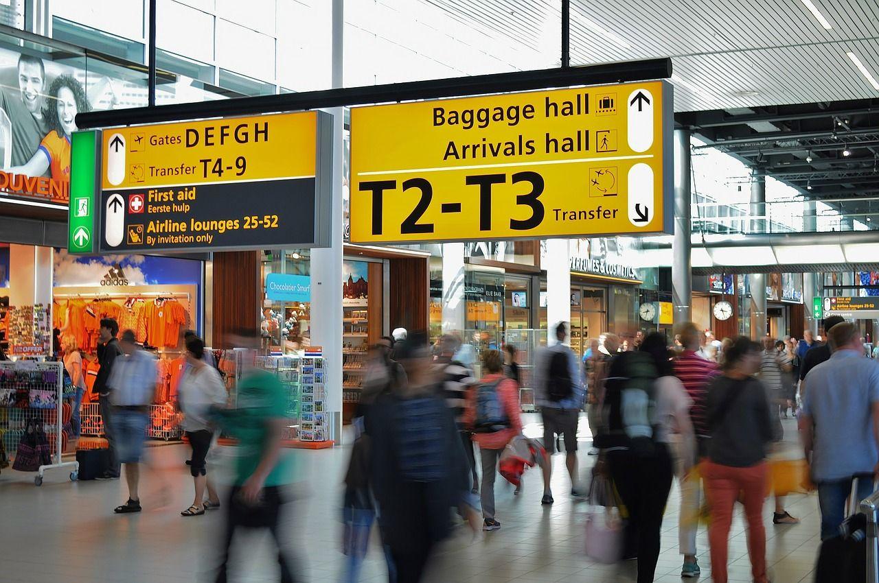 トランジットで入国する必要はある?