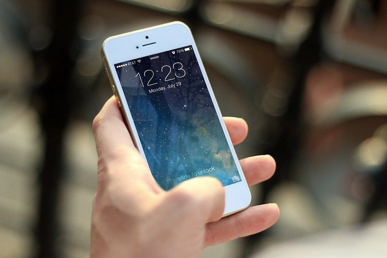 方法4:携帯電話会社の海外パケットサービスを利用する