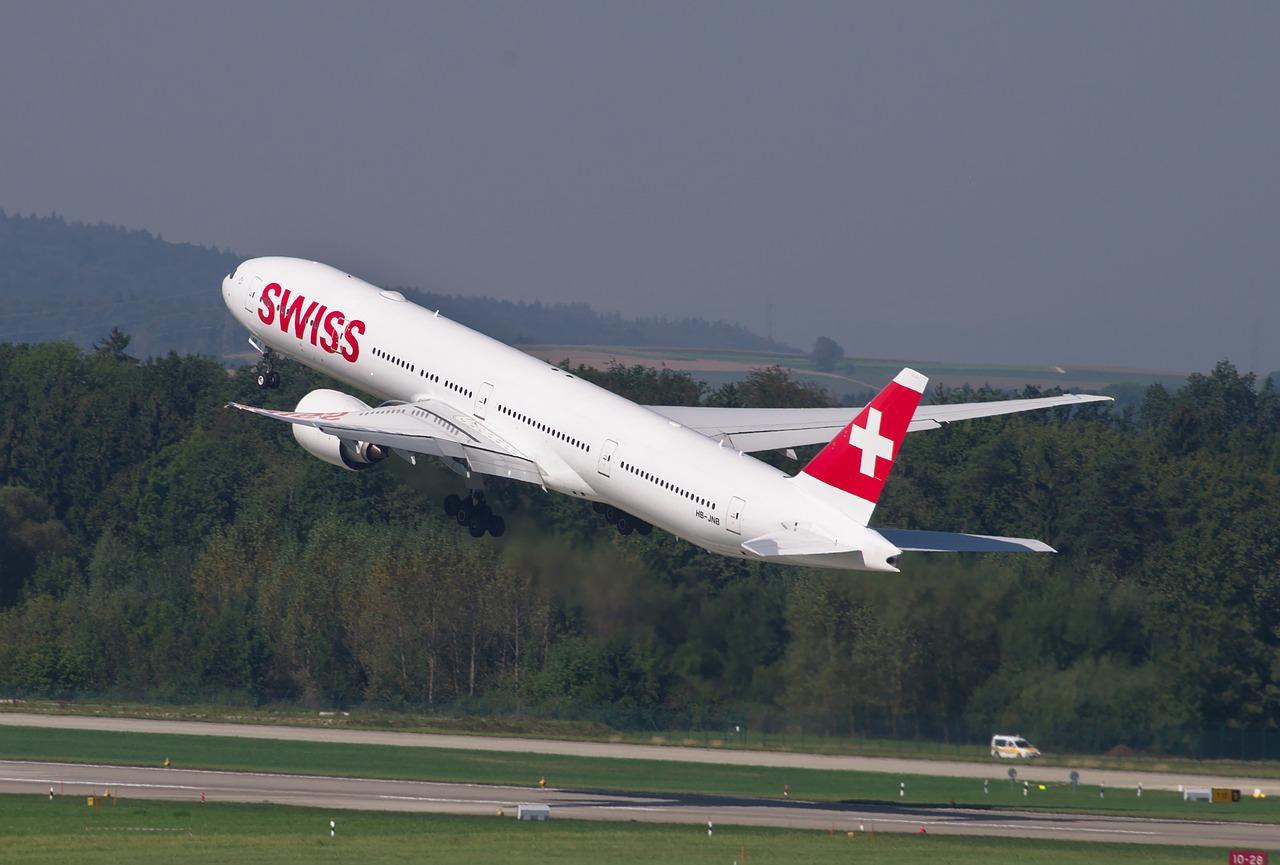 スイス旅行に必要な費用はどのくらい?