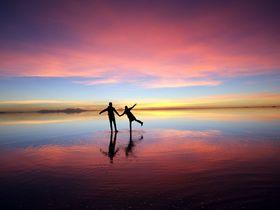 ウユニ塩湖のベストシーズンは?鏡張りが見られる条件や服装・気候についても詳しく解説!
