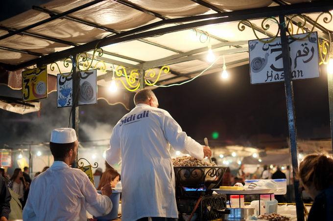 熱気あふれる広場で食べ歩き〜マラケシュ〜