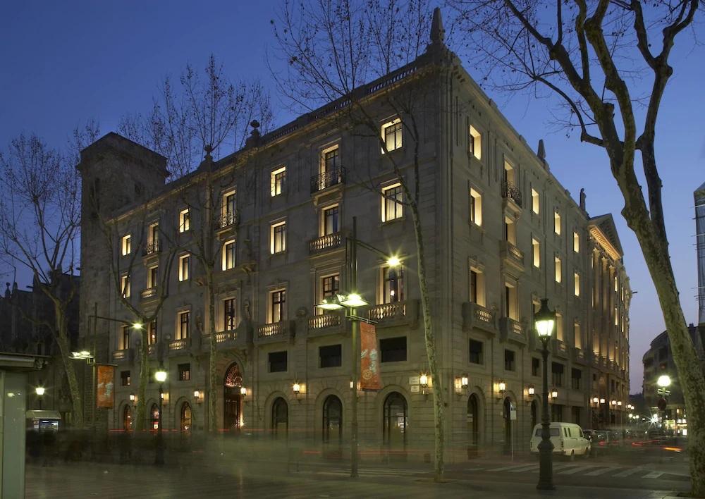 バルセロナ一番の繁華街〜ランブラス通り周辺〜