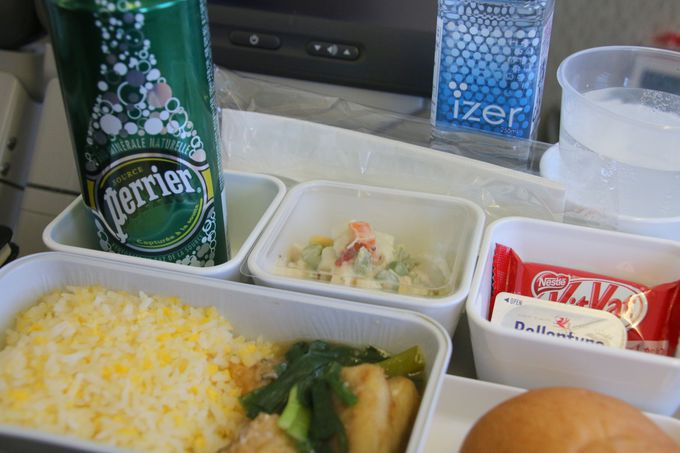 エコノミークラスの機内食、機内販売