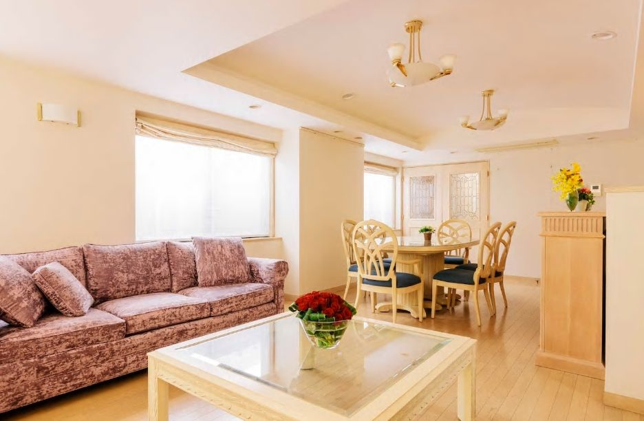 6.温かい雰囲気の広々ルーム、一軒家貸し切りタイプ