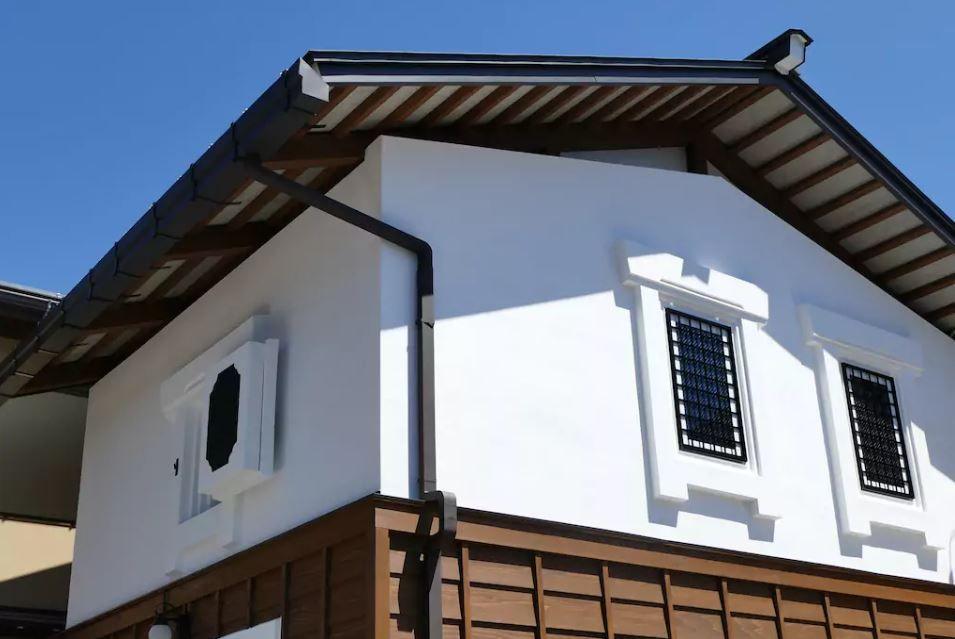 6.八幡祭が行われる櫻山八幡宮近くの蔵に泊まる