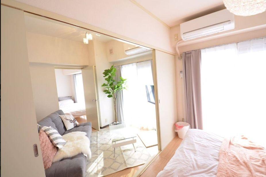 3.広々ルームに最大14名まで宿泊可、大曽根駅からは徒歩5分