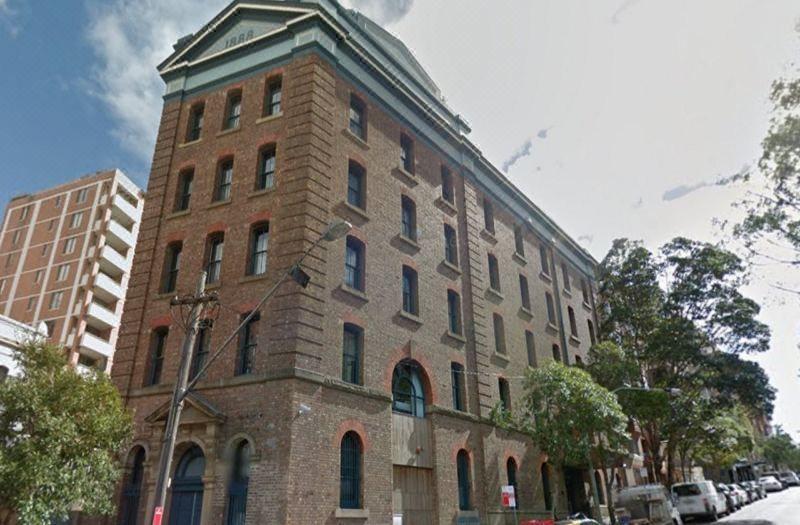 4. 1888 ホテル