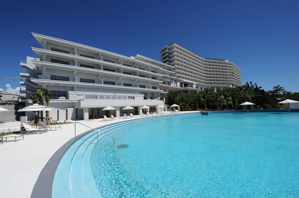 伊江島を望む眺望が見事な「ホテルオリオンモトブリゾート&スパ」