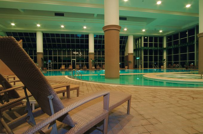 時間も天気も気にせず遊べる「ラグナガーデンホテル」
