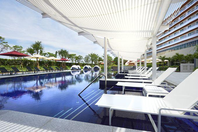 のびのびと遊べるプールが魅力の「ヒルトン沖縄北谷リゾート」