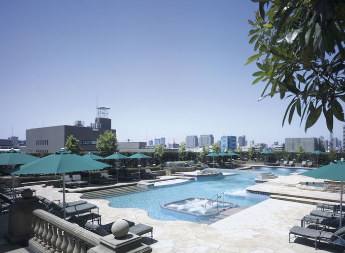 広々としたプールやカフェで楽しく過ごせる「ホテル イースト21東京」