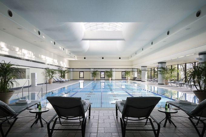 本格的な作りのプールが特徴的な「リーガロイヤルホテル東京」