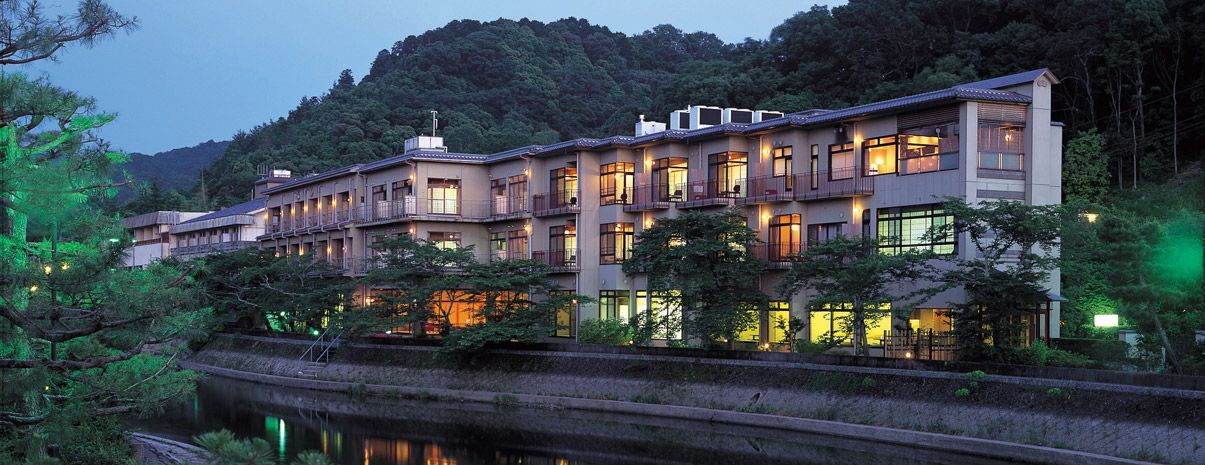10.京都の景勝地である宇治川に近い「花やしき浮舟園」