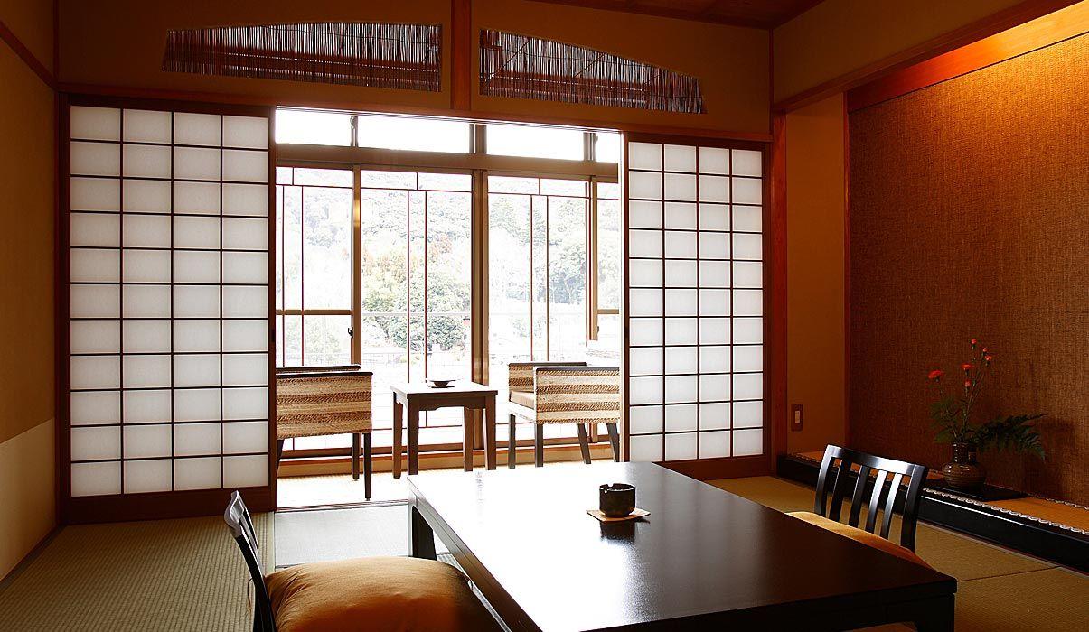 京都の景勝地である宇治川に近い「花やしき浮舟園」