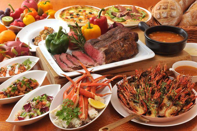 専用のラウンジで優雅に過ごせ、ボリュームある食事を堪能できる「ヒルトン名古屋」