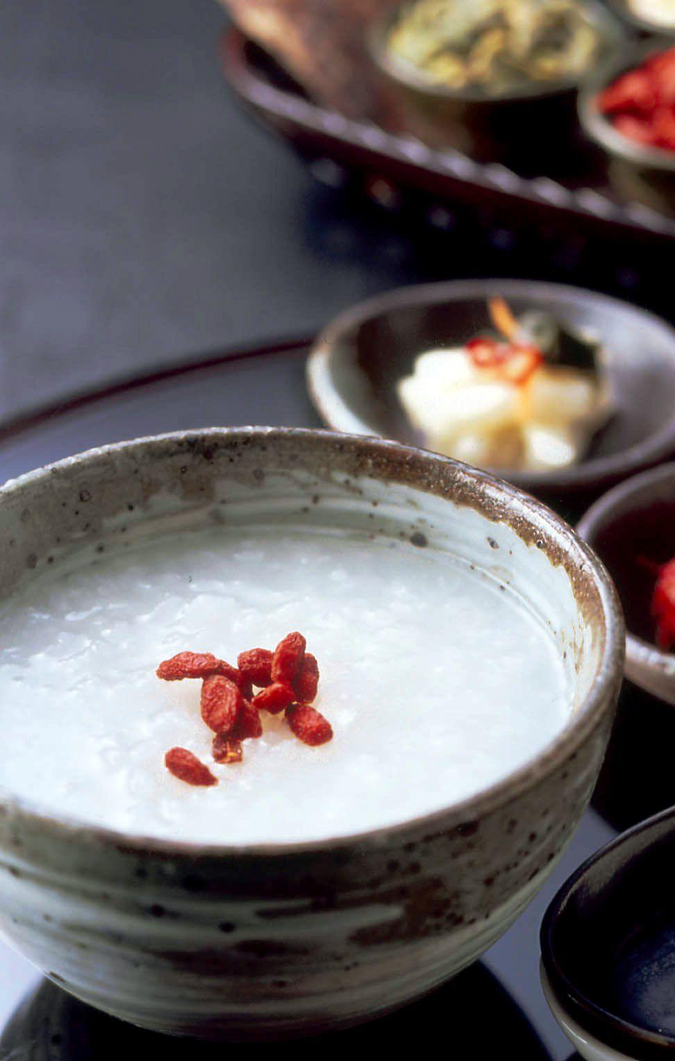 広大なパノラマを眺めながら朝食を堪能できる「ホテルプラザ神戸」