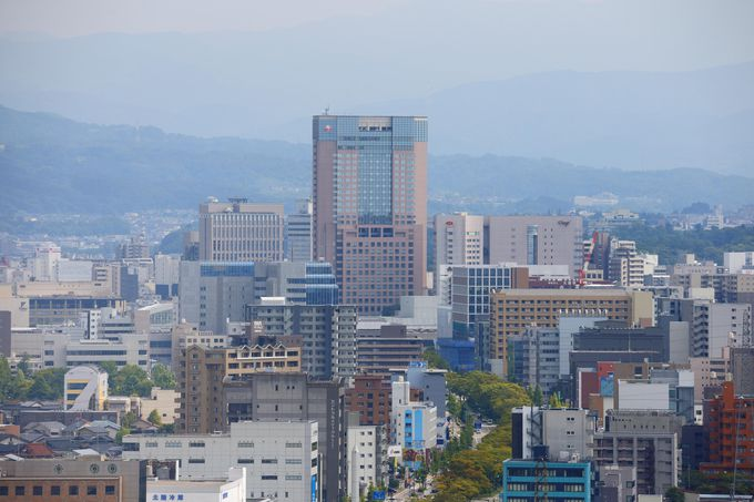 JR金沢駅兼六園口より徒歩3分にある好アクセスな「ホテル日航金沢」