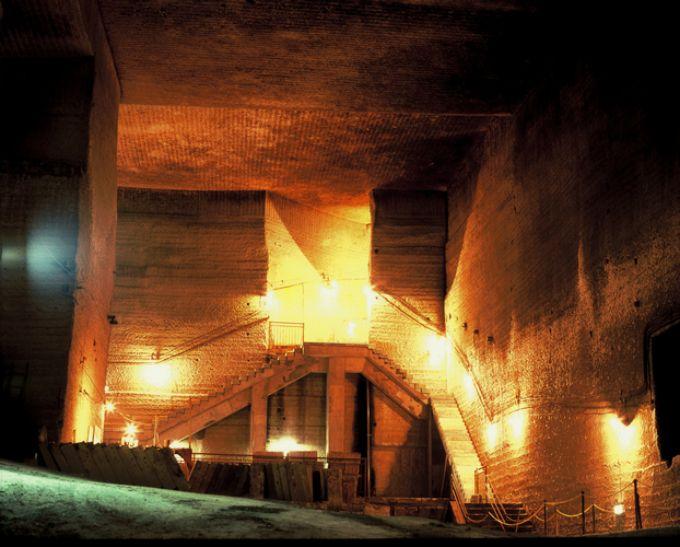 数々の映画の舞台にもなった大谷石採掘場跡「大谷資料館」