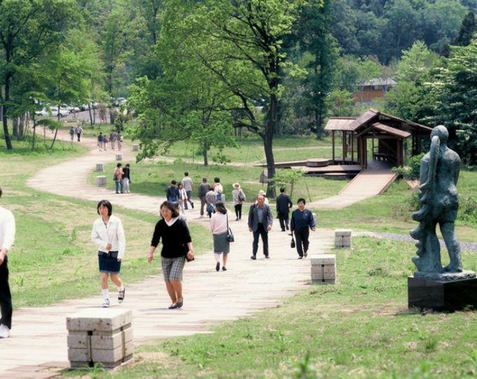 宇都宮タワーもすぐそこ!家族で楽しめる自然豊かな公園「八幡山公園」