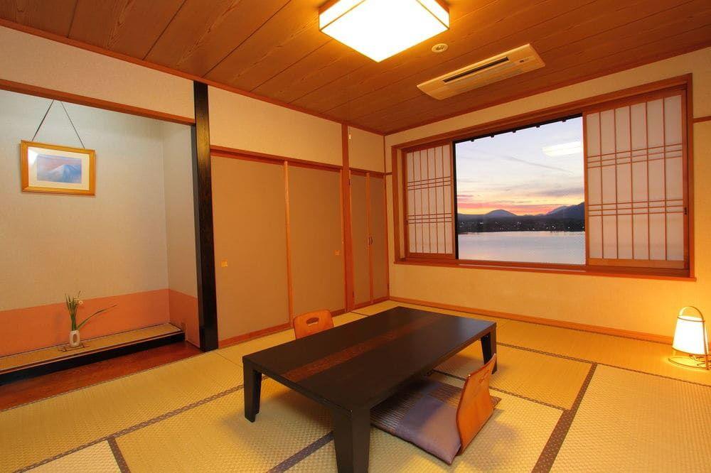 3.富士河口湖温泉 湖風の宿 あさふじ