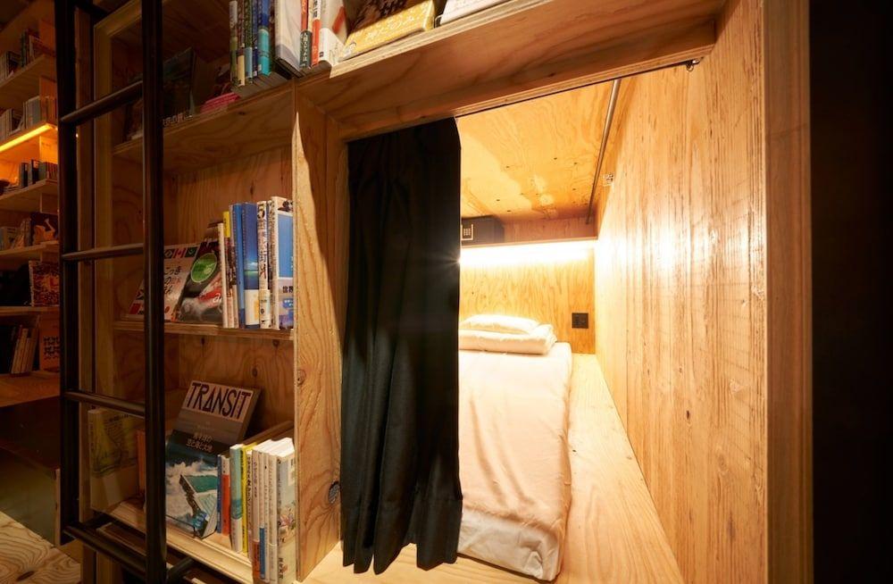 6.BOOK AND BED TOKYO SHINJUKU