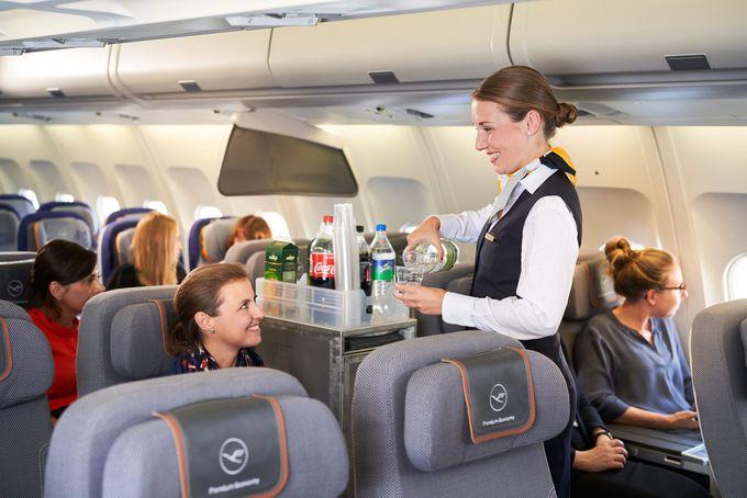 5.機内食には就航地のグルメやドイツビールが堪能できる!