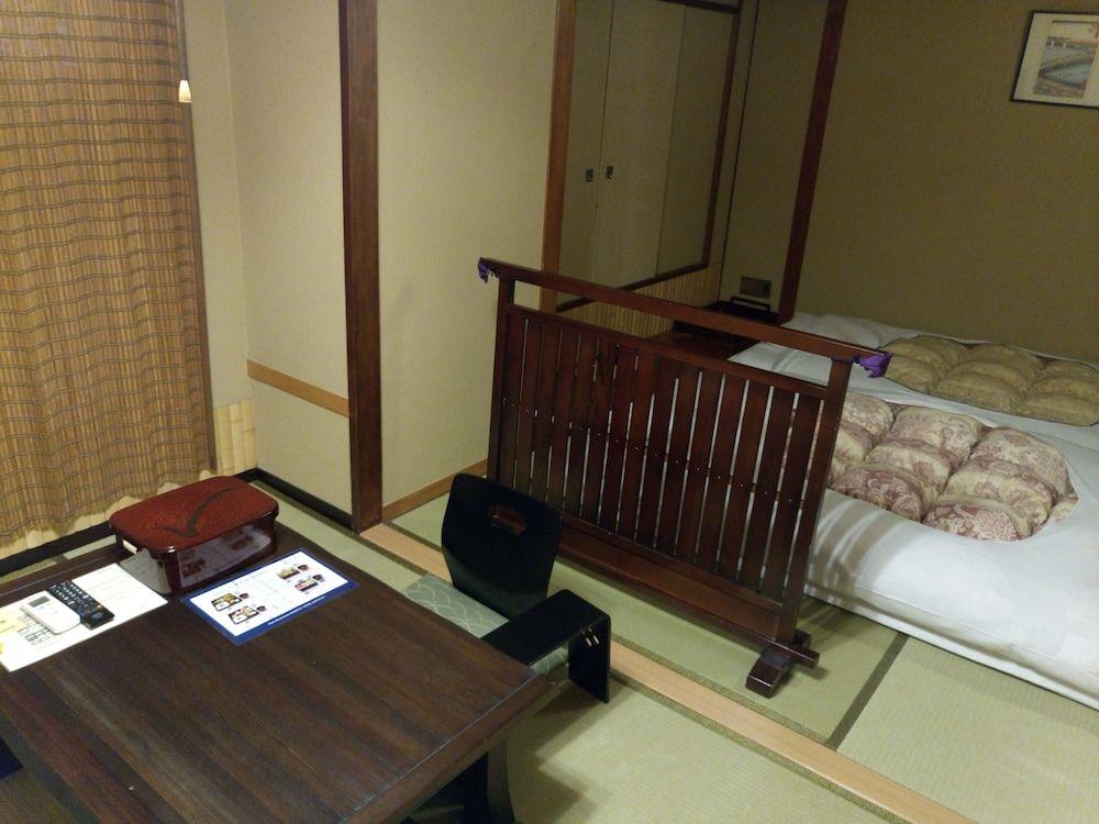 5.ホテル江戸屋