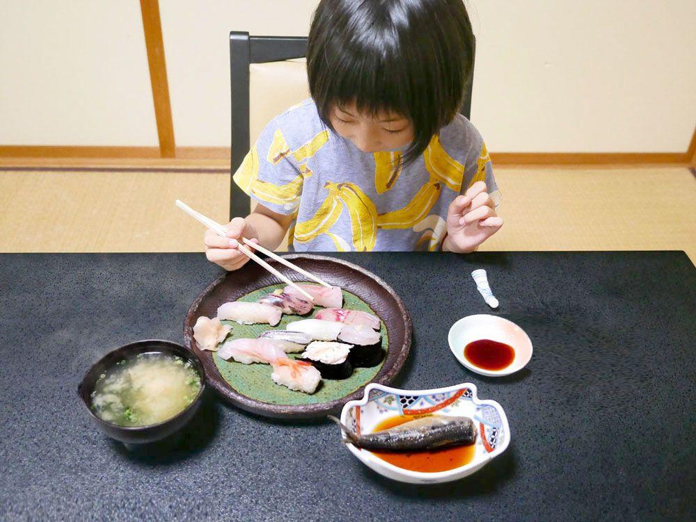 2日目12:00 ランチは富山湾の地魚づくし「富山湾鮨」を
