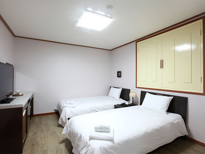 2.JBIS ホテル