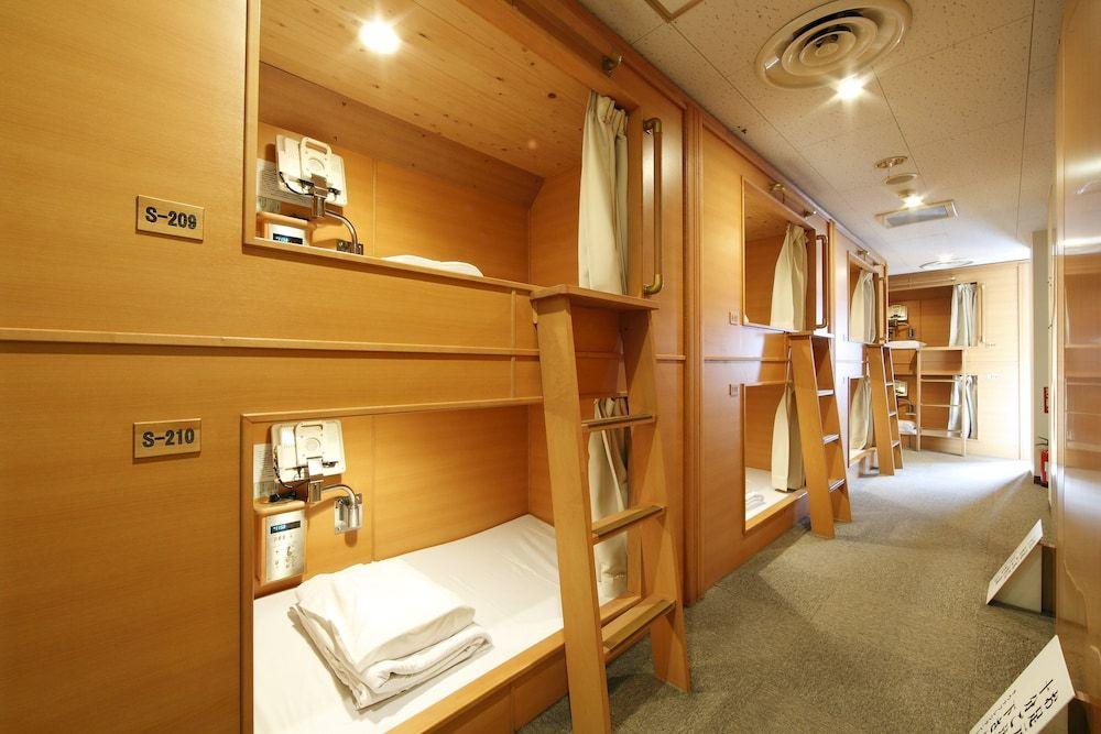 上野のおすすめカプセルホテル10選 露天風呂や女性専用ルームも!
