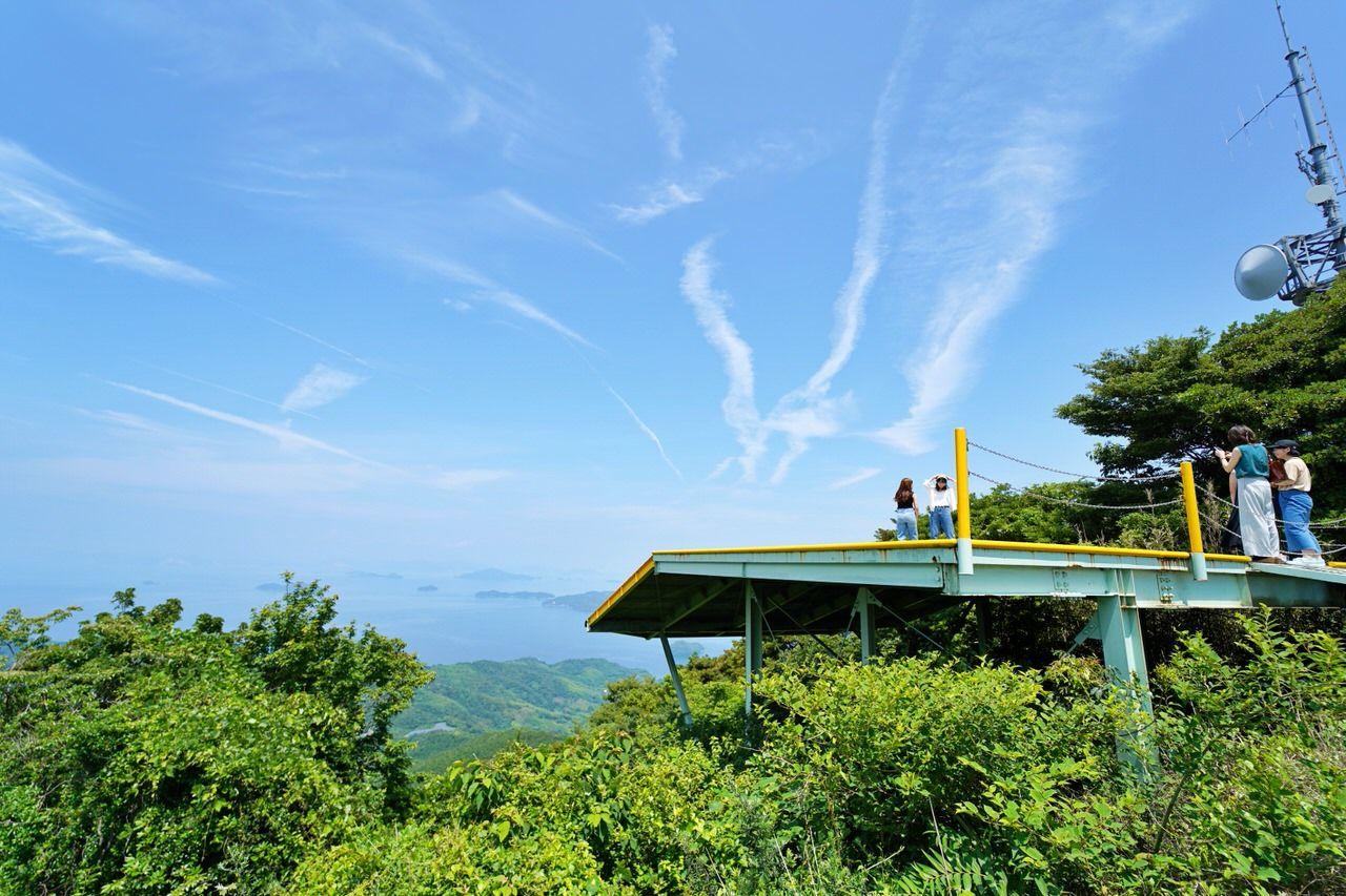 カップルがこぞって集まるインスタ映えスポット「嵩山」