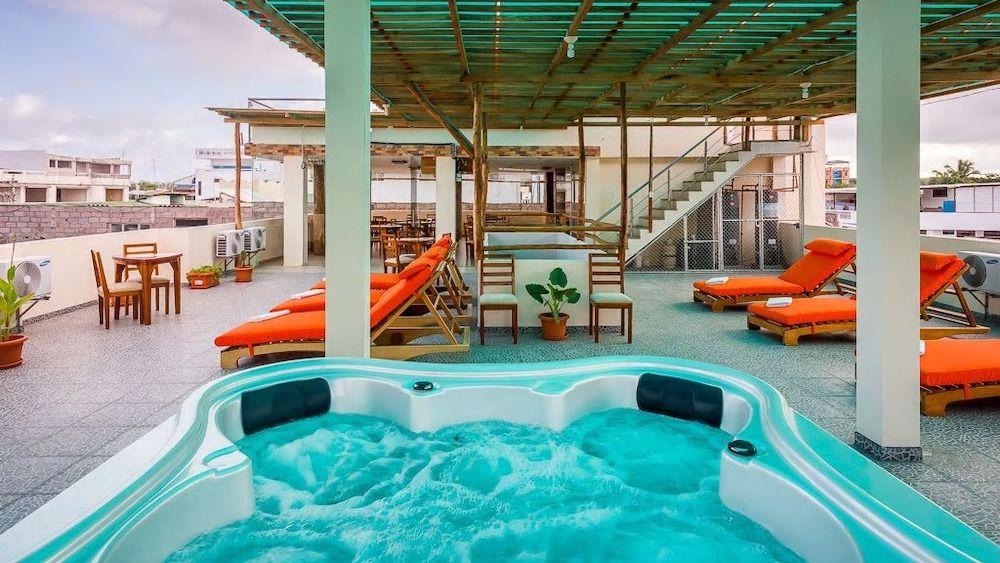 8.ホテル フラミンゴ