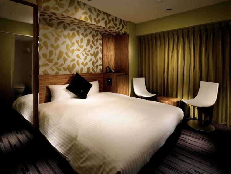 新宿のおすすめ格安ホテル10選 駅近で便利、露天風呂も!