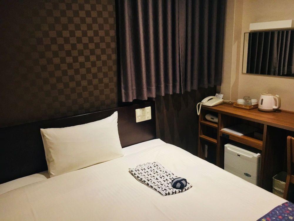 9.上野東金屋ホテル