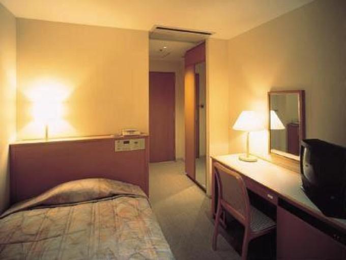 3.セントラルホテル東京