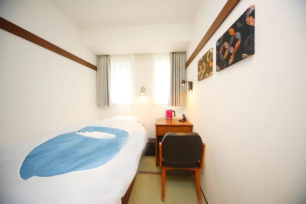 8.HOTEL EMIT SHIBUYA(ホテルエミット渋谷)