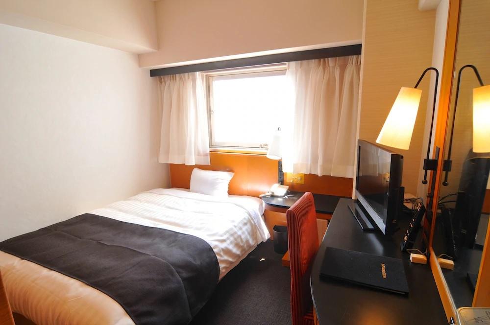 7.ホテルリステル新宿