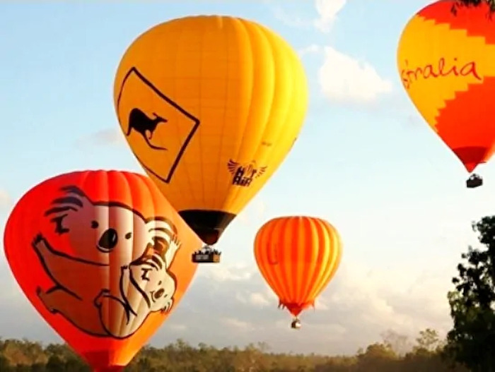 4.熱気球遊覧飛行