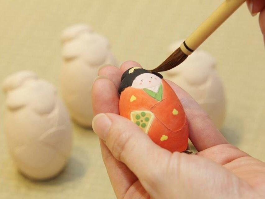 7.福岡の伝統工芸&博多人形の絵付け体験