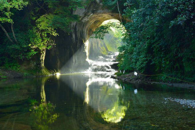 2日目午前:濃溝の滝・亀岩の洞窟(君津市)