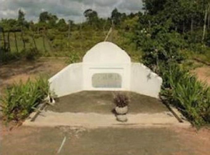 7.一之瀬泰造のお墓とアキーラー地雷博物館
