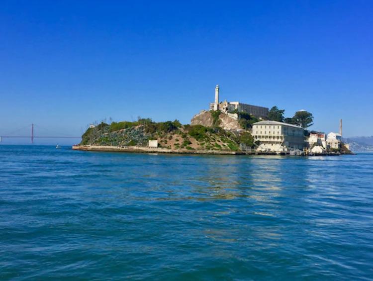 2.アルカトラズ島上陸半日観光ツアー