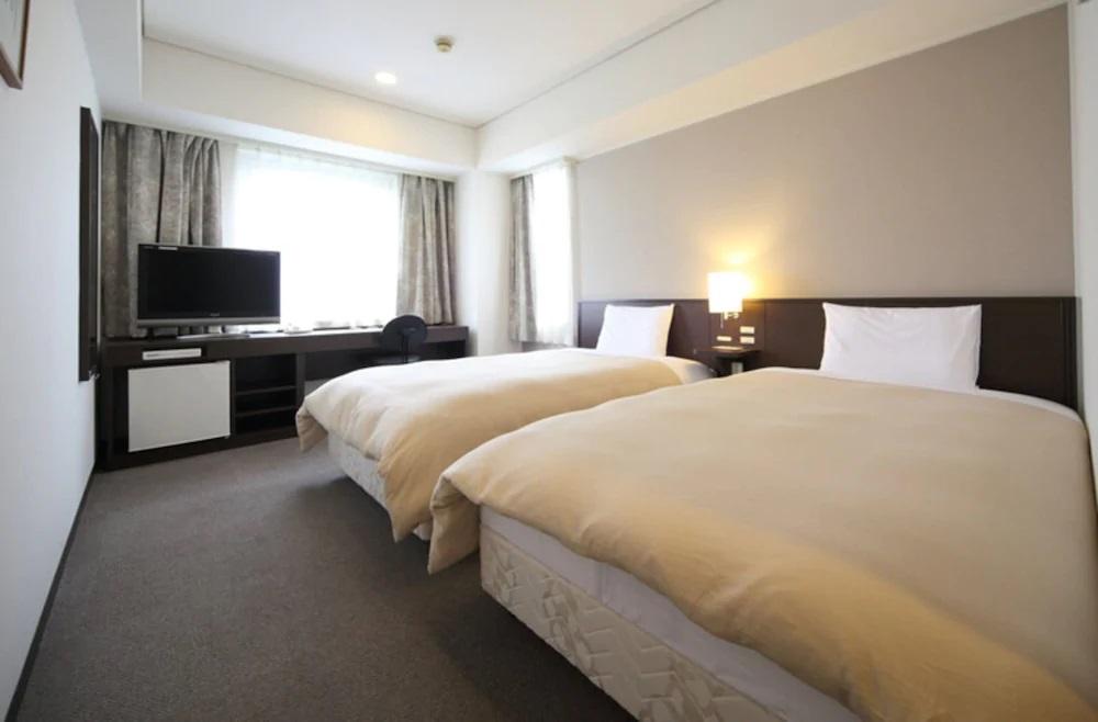 2. パークサイドホテル広島平和公園前