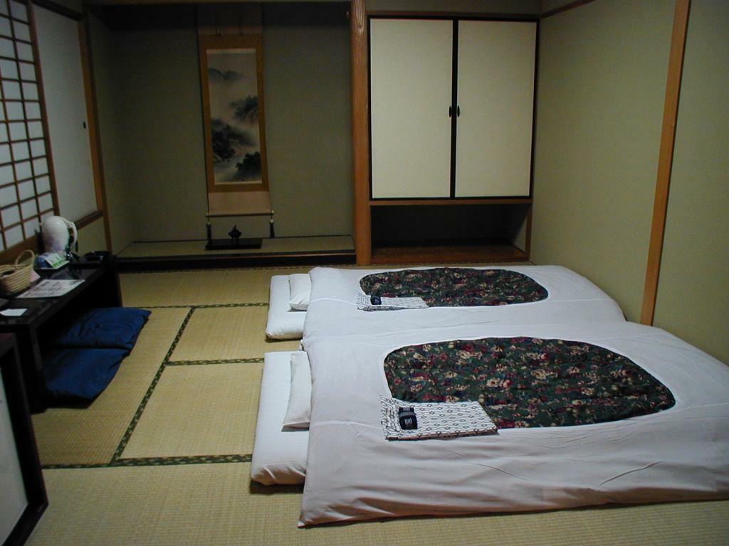 5.ホテルサトー東京