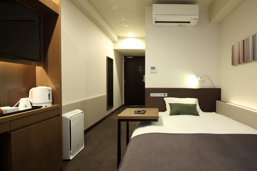 4.Y's HOTEL 阪神尼崎